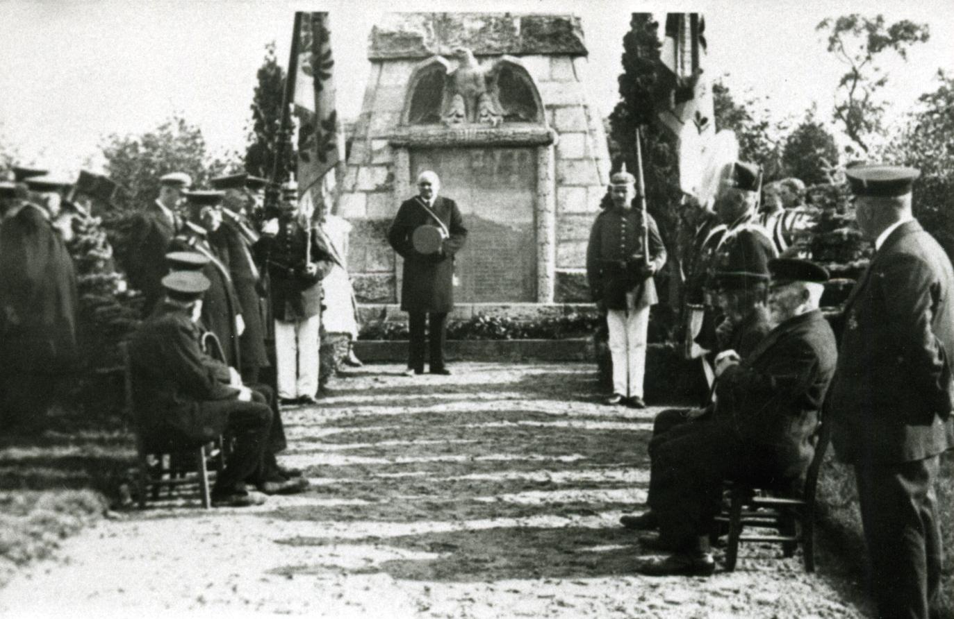 Einweihung Ehrenmal 1922